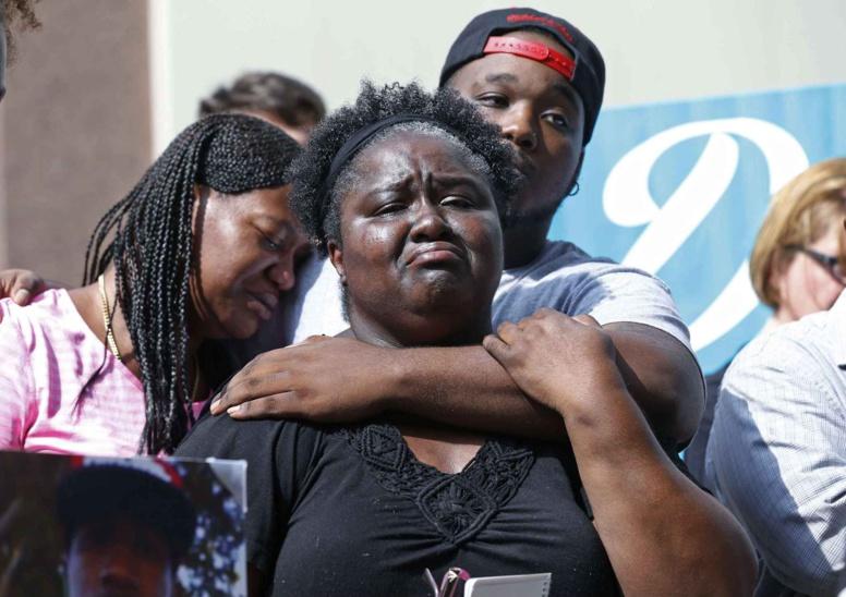 La police tue un homme noir par erreur à Los Angeles