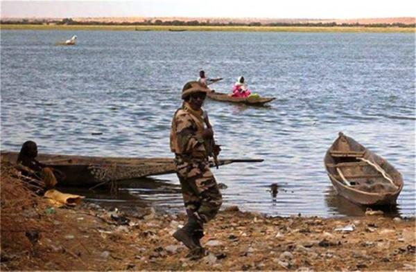 Mali: l'armée retrouve les corps de cinq soldats disparus après une attaque à Téninkoun