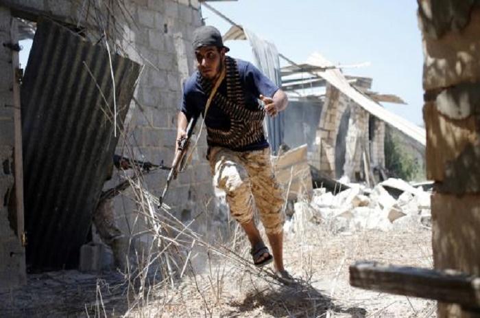 Hasni Abidi: la menace des jihadistes à Syrte n'est que «provisoirement» écartée