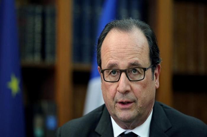 Présidentielle française: Hollande sème des graines pour 2017