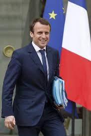 Alerte info: Emmanuel Macron va présenter sa démission à François Hollande