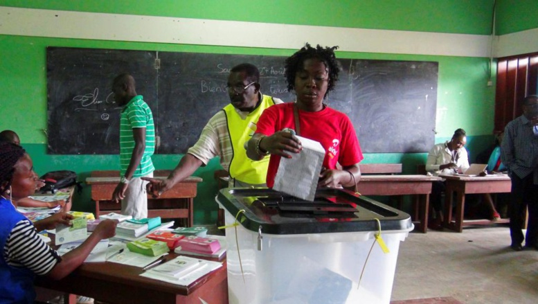 Présidentielle au Gabon: les durs travaux de la Commission électorale