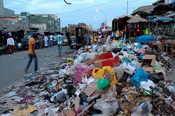 Lendemain pluvieuse de Tabaski : l'évacuation des ordures, le casse-tête des ménages