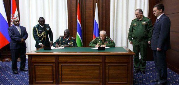 Accords militaires: Yaya Jammeh prend le contre-pied de Macky Sall et signe avec la Russie