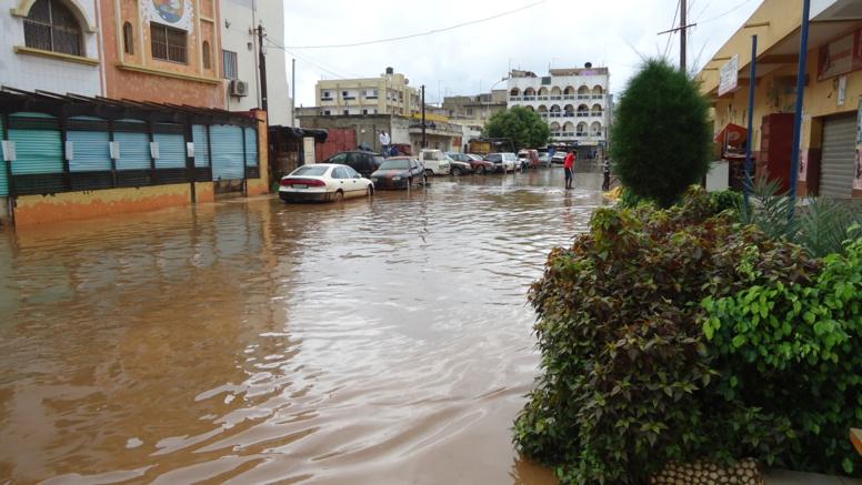 """Inondations: La """"citadelle"""" des Parcelles est tombée sous les eaux"""