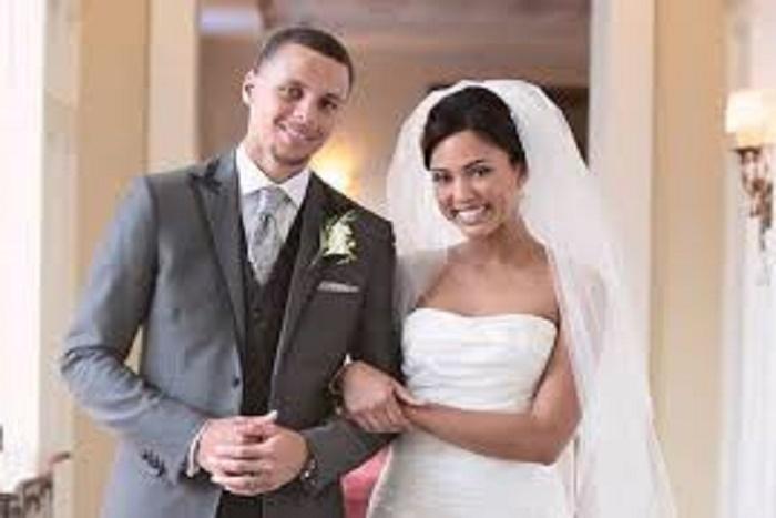 Stephen Curry sur le fait de s'être marié à 23 ans : « Pourquoi attendre si tu as trouvé la bonne ? »