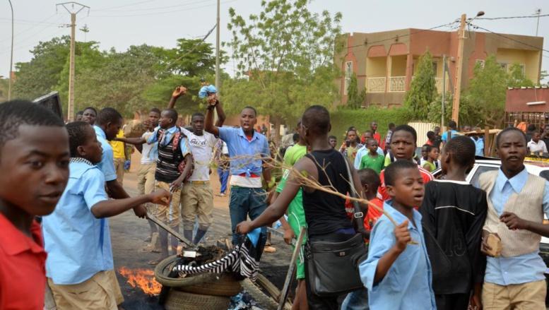 Niger: en grève, les étudiants de l'université de Niamey bloquent leur campus