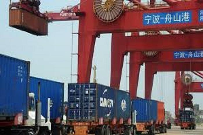 Chine : recul de 10% des exportations en septembre (DOUANES)