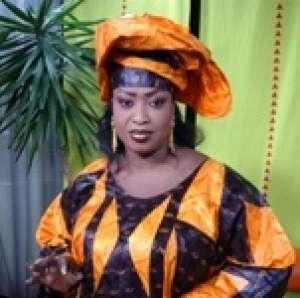 Viviane rend hommage à Adja Deguène Chimère Diallo Babou