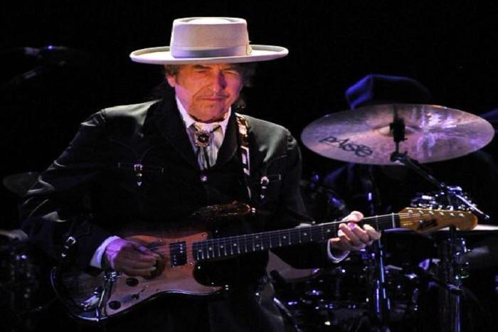 """Nobel de littérature: Obama félicite Bob Dylan, """"Une de mes poètes préférés"""""""