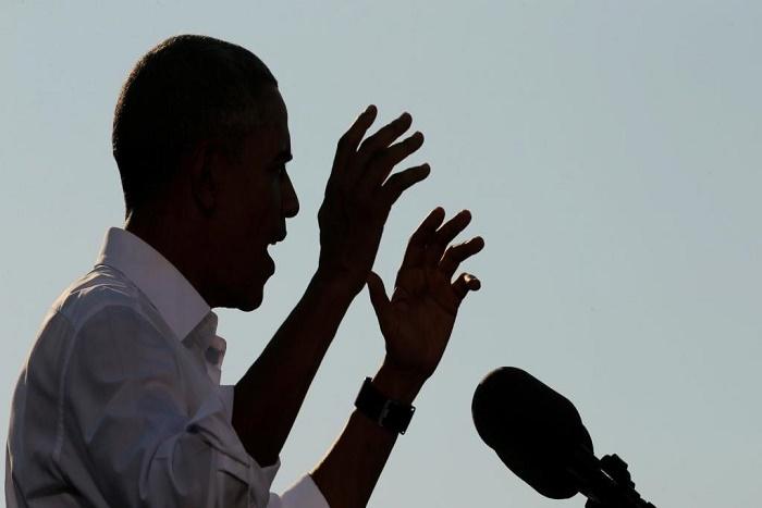 Affaire des emails : Obama abandonne la neutralité