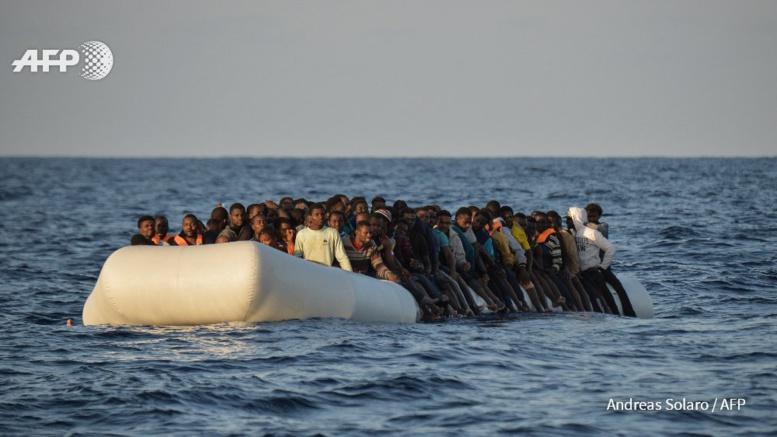 Migrants: nouveaux drames en Méditerranée, arrivées record en Italie