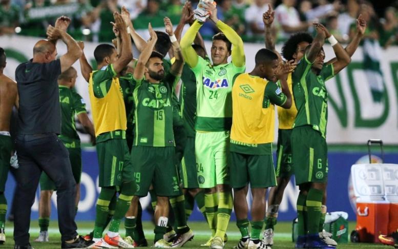 Colombie : crash de l'avion d'une équipe de foot brésilienne, au moins 6 survivants
