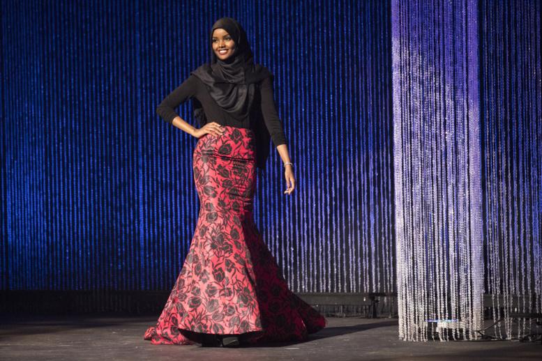 Une candidate à Miss USA défile en Hijab et Burkini