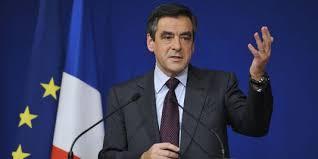 """François Hollande pas candidat : """"Ce soir, il admet, avec lucidité, que son échec patent lui interdit d'aller plus loin"""", réagit François Fillon"""
