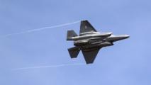 Un tweet de Donald Trump sur le coût du F35 fait chuter Lockheed Martin en Bourse