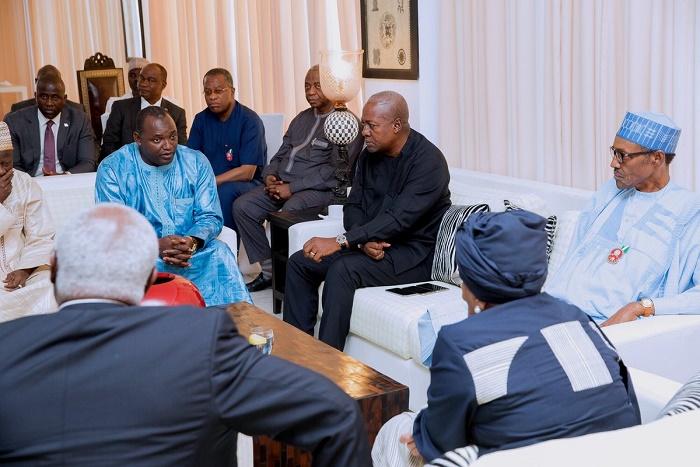Gambie : La médiation se poursuit, les émissaires de la CEDEAO ont rencontré Adama Barrow, le président élu
