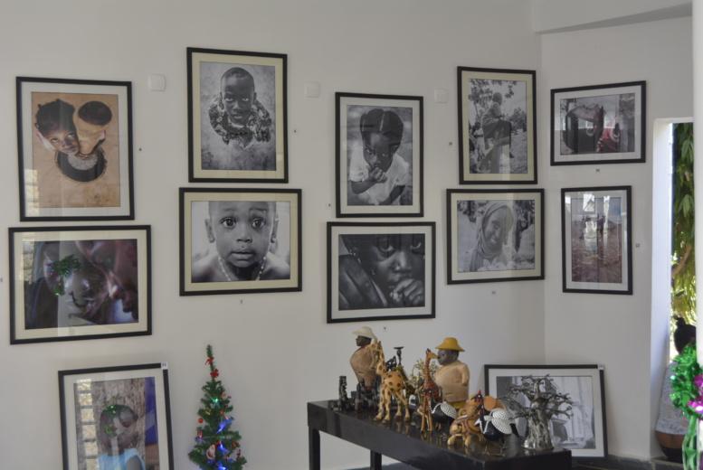 Vernissage de leur exposition  : Mata Nataal et xaadim utilisent la photographie au service des enfants