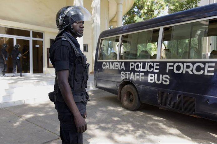 Gambie : Le siège de la commission électorale encerclé par les militaires de Yahya  Jammeh