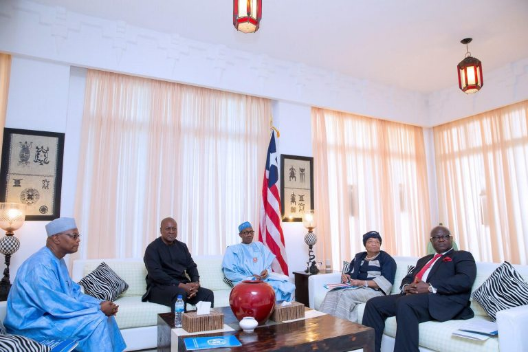 Abuja - Nigéria: la délégation de la CEDEAO rend compte de sa mission en Gambie