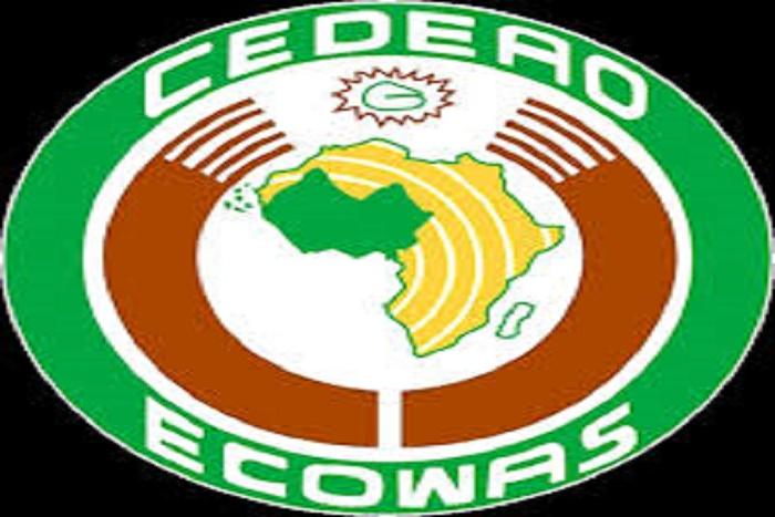 """La CEDEAO accentue la pression sur Jammeh : """"La Conférence prendra toutes les actions nécessaires pour faire appliquer les résultats des  élections du 1er décembre 2016"""""""