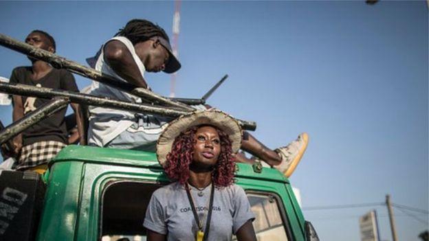 Des Gambiens fuient au Sénégal