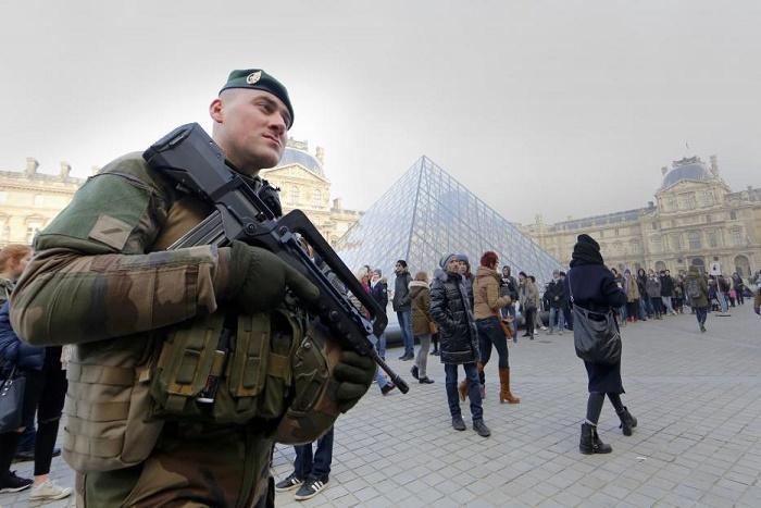 En Europe comme aux Etats-Unis, sécurité renforcée à l'approche du Nouvel An