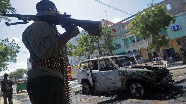 Somalie: attentat-suicide contre le siège de l'Amisom