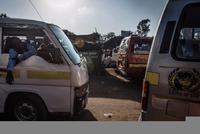 Kenya: 11 morts dans l'accident d'un matatu trop chargé