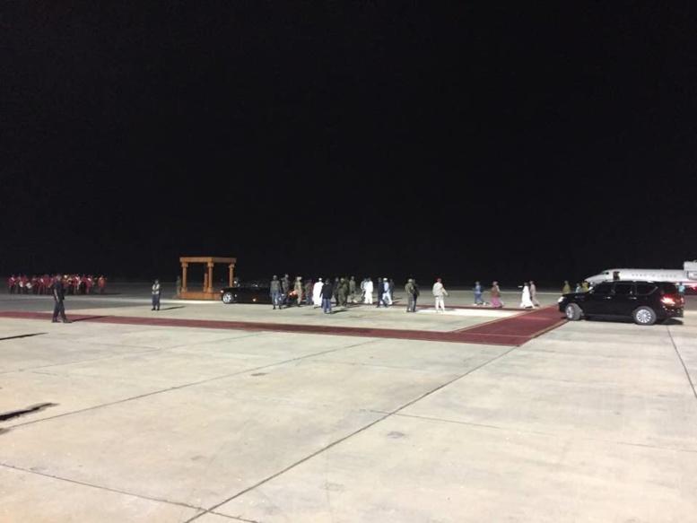 Gambie : Le cortège du président Yahya Jammeh est arrivé à l'aéroport