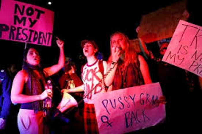 """Plus d'un demi-million de manifestants à la """"Marche des femmes"""" de Los Angeles (police)"""