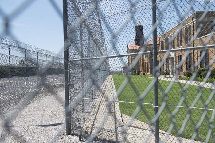 Etats-Unis: Donald Trump relance le débat sur la torture dans les prisons