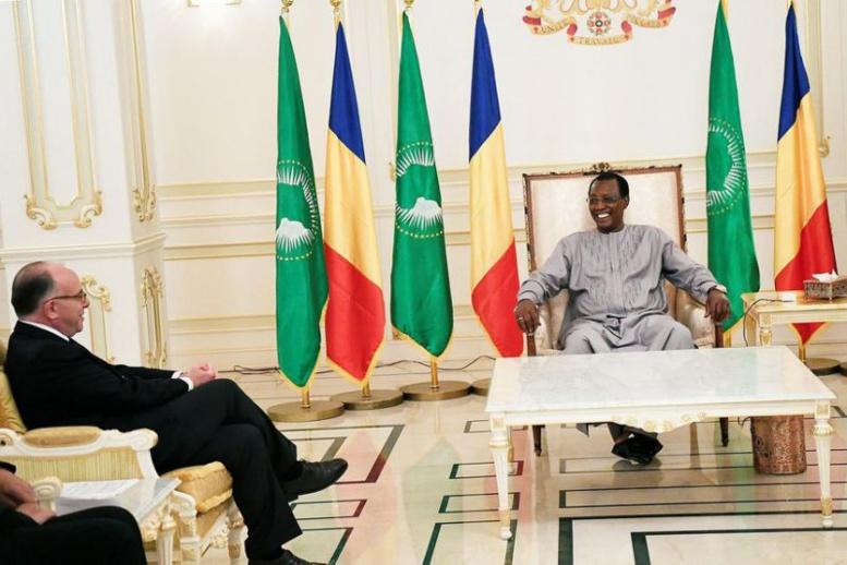 La France gèle discrètement les comptes de trois opposants africains