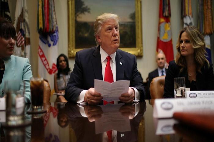 Le décret Trump anti-immigration soulève une vague d'indignation internationale
