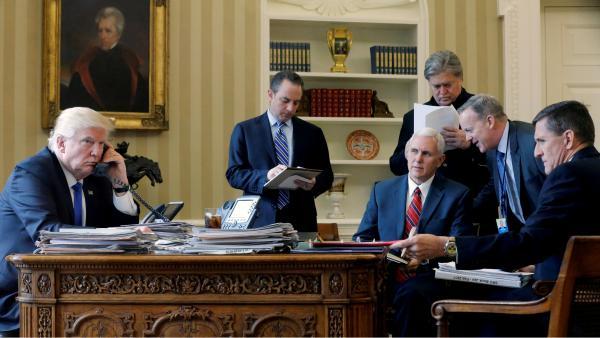Michael Flynn, conseiller à la sécurité du président Trump, jette l'éponge