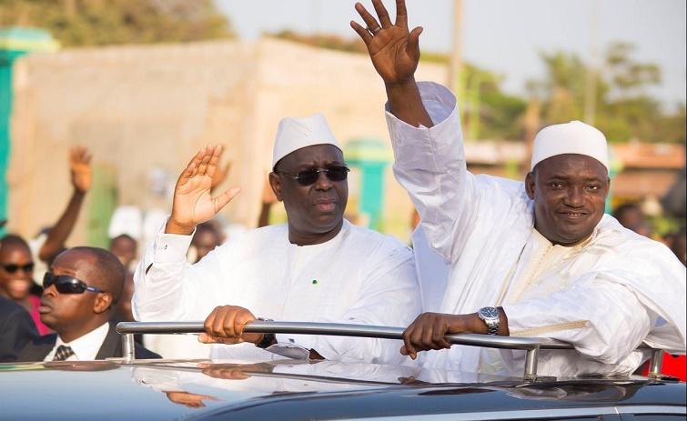 Bain de foule: Macky «très populaire» en Gambie