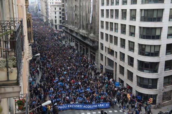 Espagne : manifestation monstre à Barcelone pour l'accueil des réfugiés