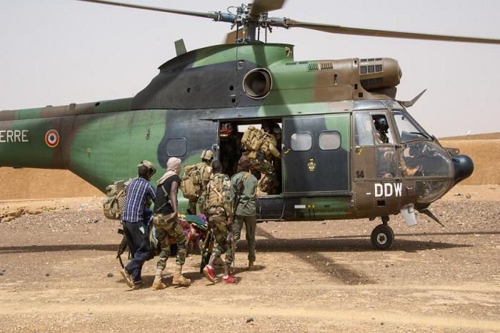 Mali: un bus de civils explose sur une mine dans la région de Gossi