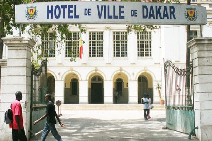 Khalifa Sall à la Dic: A la mairie de Dakar le travail continue dans une ambiance morose