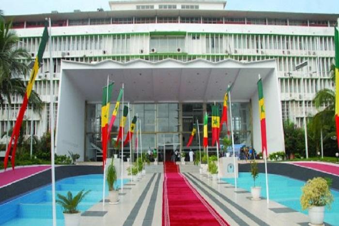 Fixation de la caution pour les Législatives: les avis partagés