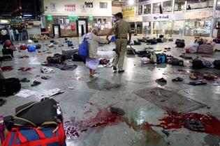 Inde:Série de fusillades et d'explosions à Bombay : au moins 100 morts