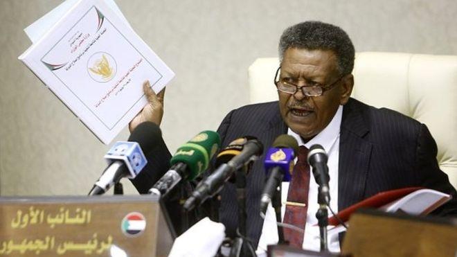 Soudan: le Premier ministre prête serment