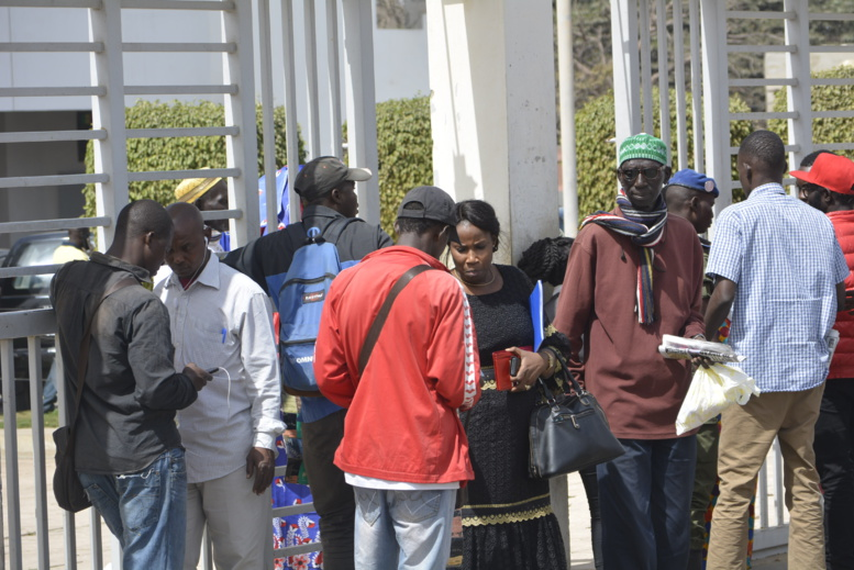 En direct du Palais de justice-Vive Tension entre militants et forces de l'ordre