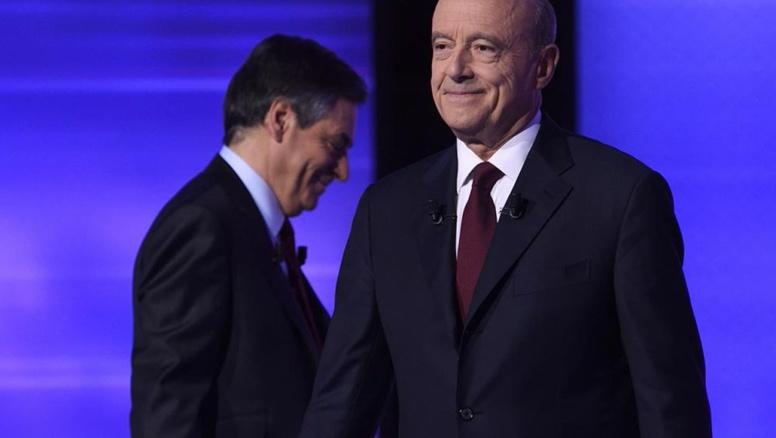 France: Juppé offre son parrainage à Fillon, et garde ses distances avec Macron