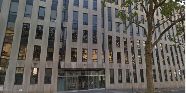 Une personne blessée après l'ouverture d'une enveloppe piégée au FMI à Paris