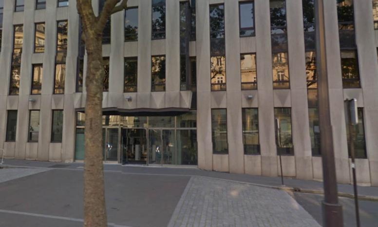 Courrier piégé au siège du FMI à Paris: la victime brûlée aux mains et au visage