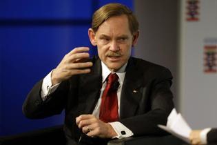 Le président de la Banque mondiale, Robert Zoellick, le 20 novembre à Francfort. (© Reuters)
