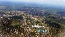 RDC: miliciens Kamuina Nsapu et policiers ont paradé à Kananga