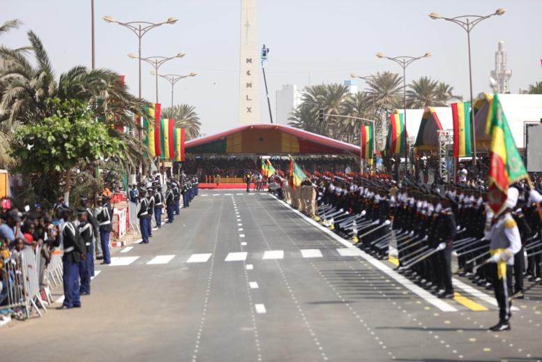 Le chef de l'Etat vient d'arriver à la Place de la Nation