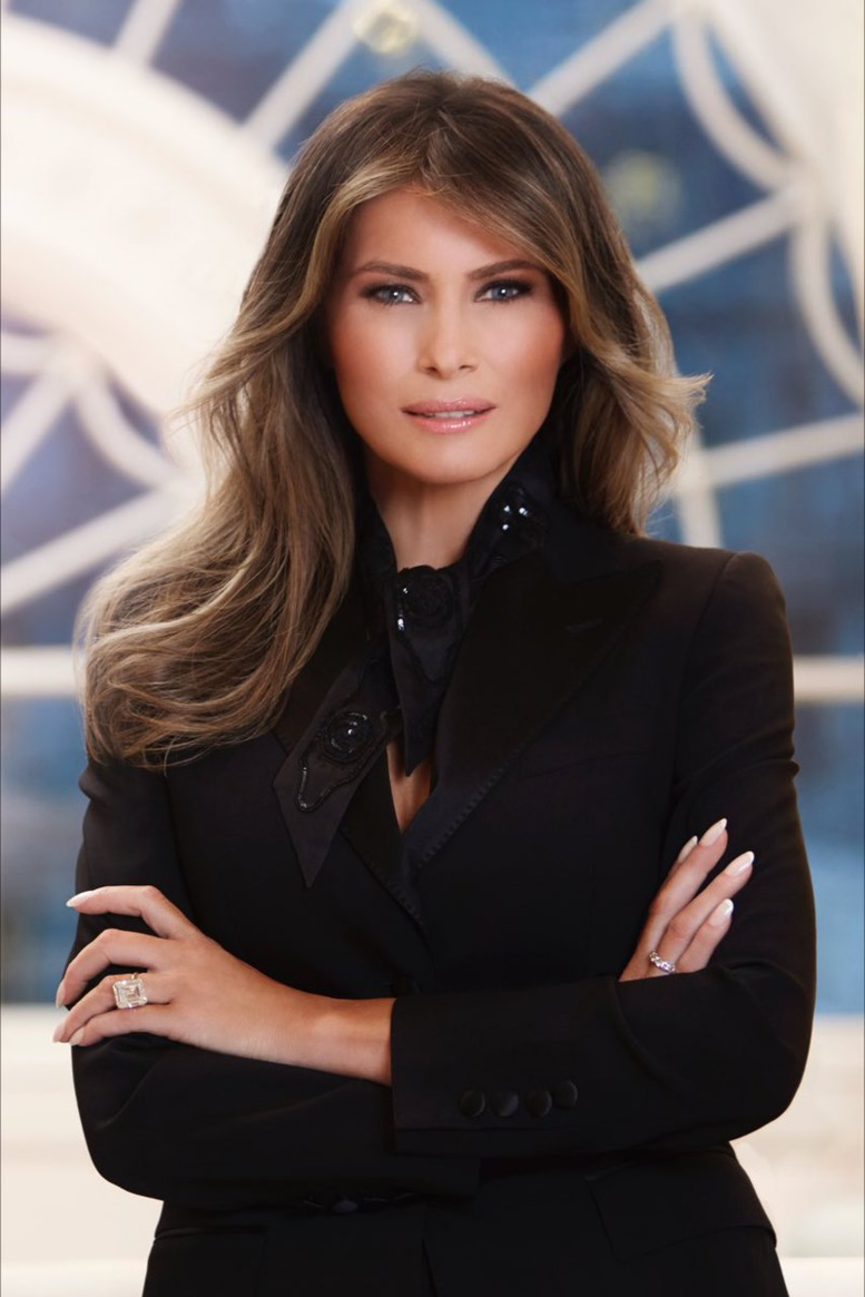 """Le premier portrait officiel de la """"First Lady"""" Melania Trump fait débat"""